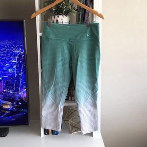 Nike Hombre Yoga Pants